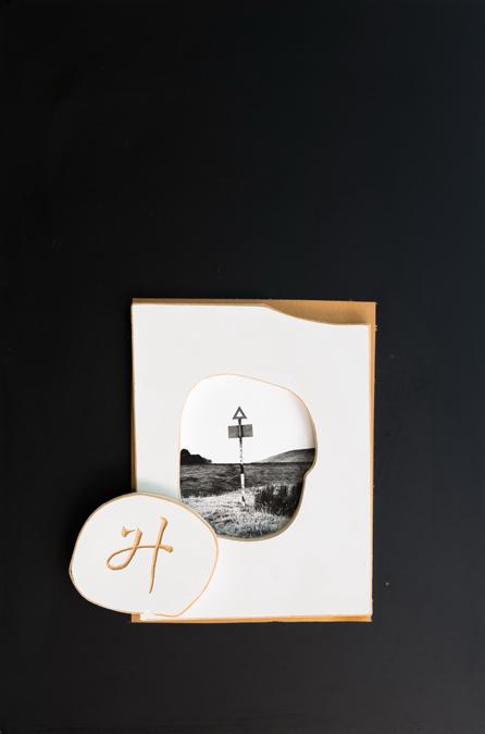 李元佳  | 無題 攝影、木頭浮雕, 1992-1994 60 x 40 cm 李元佳基金會收藏 的圖說