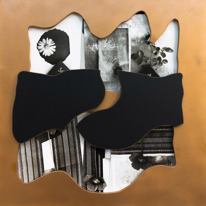 李元佳  | 無題 攝影、木頭浮雕, 1993 63.5 x 63.5 cm 李元佳基金會收藏 的圖說