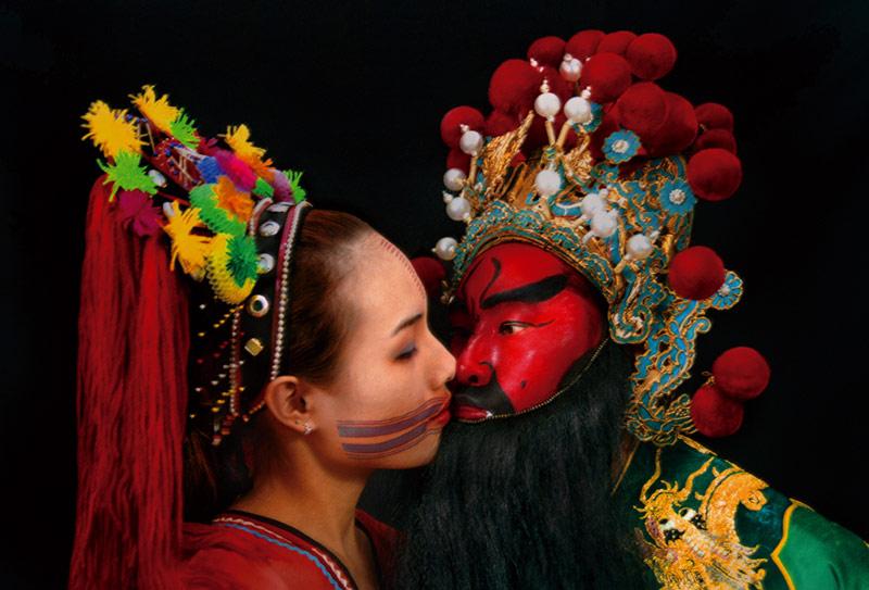 梅丁衍    Kiss III 數位輸出, 2003 60x90 cm 藝術家自藏