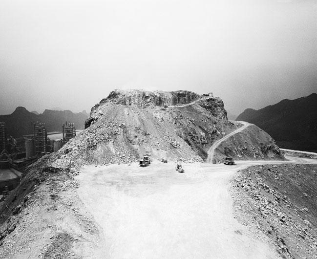 楊哲一  | 山水 攝影輸出, 2012  藝術家自藏 的圖說