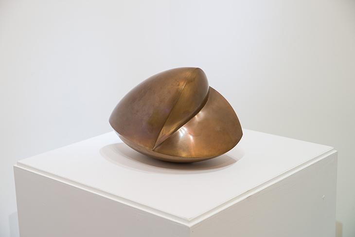 漢斯‧阿爾普  | 《打哈欠的貝殼》 青銅, 1965 22×23×34 cm  臺北市立美術館典藏 的圖說