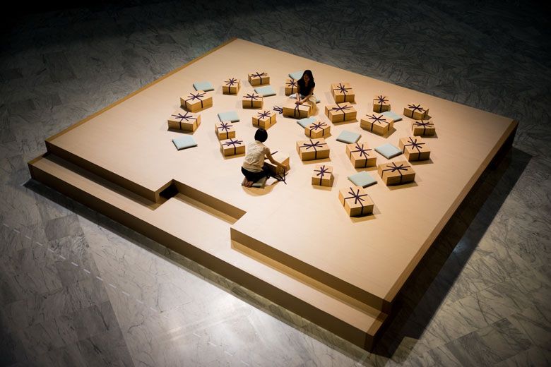 《織物的回憶》 複合媒材互動裝置, 2006/2015   北美館展出現場 的圖說