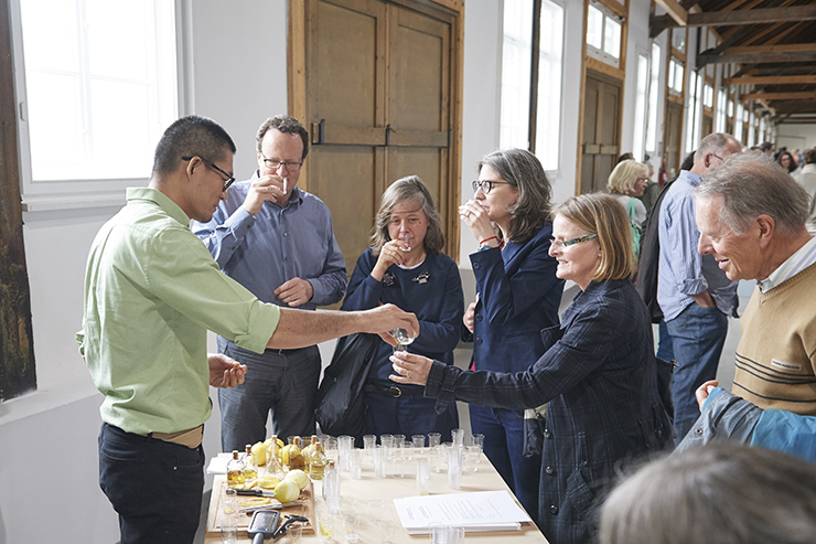 黃博志    五百棵檸檬樹:給美術館的提案—工廠 裝置、複合媒材, 2016 尺寸可變 攝影:Peter D. Hartung, Food - Ecologies of the Everyday: Fellbach 13th Triennial of Small-Scale Sculpture Alte Kelter,費爾巴哈,德國