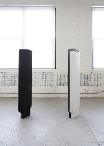 Hung-Lun CHEN    Guide/Divide anti-theft antenna, plastic, metal, charcoal, 2015 150×30×10 cm