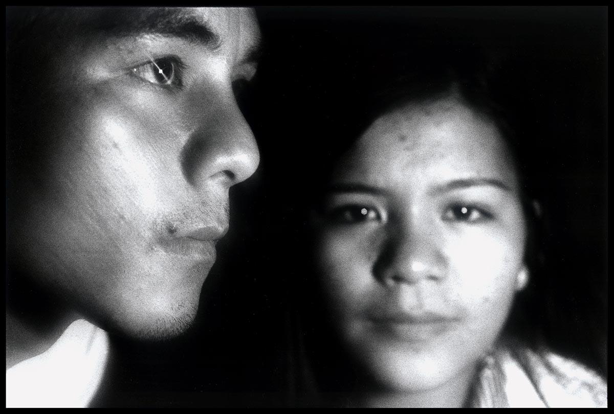 林柏樑  | 私人備忘:黑暗之光(莫那能與妹妹) 銀鹽相紙, 1978 90x152 cm  藝術家自藏 的圖說