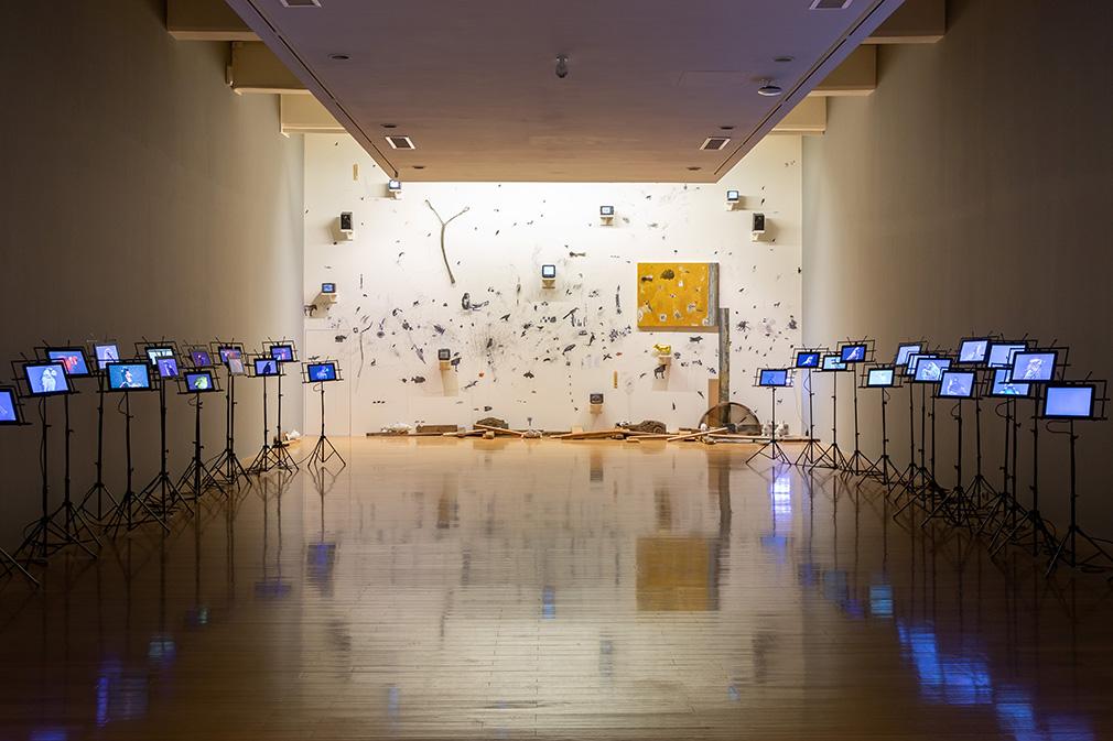 「大遷徙:盧明德」《環境媒材書寫》展場  2021   ©臺北市立美術館 的圖說