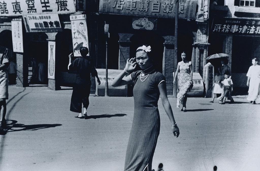 鄧南光    臺北,太平町(三) 銀鹽相紙, 1942 40.6×50.8公分 臺北市立美術館典藏